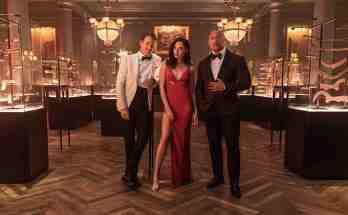 Red-Notice-movie-film-action-comedy-thriller-2021-Ryan-Reynolds-Gal-Gadot-Dwayne-Johnson