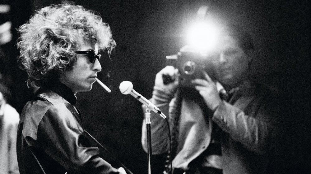 "Bob Dylan Biopic May Be Just ""Blowin' in the Wind"""