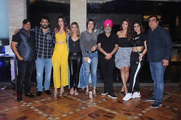 Tipsy bollywood full movie review imdb,Esha Gupta-Bollywood Trend 2021