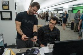 Zack Snyder & Henry Cavill on set Batman v Superman: Dawn of Justice