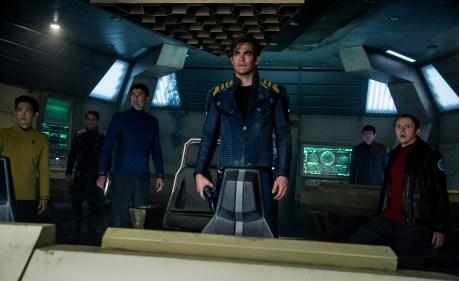 Jon Cho, Anton Yelchin, Karl Urban, Chris Pine, Zachary Quinto & Simon Pegg in Star Trek Beyond