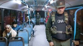gendarmería nacional custodia los colectivos municipales por paro de uta