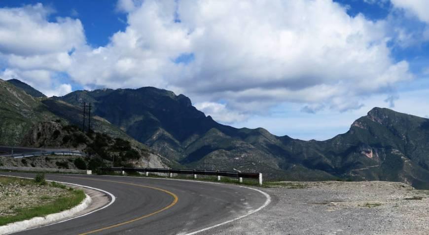 Straße zur Sierra Gorda