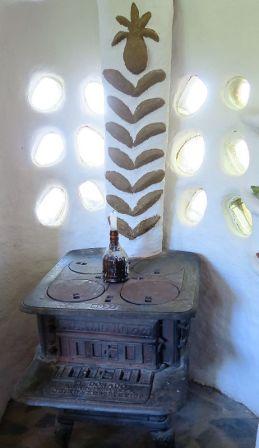 Ofen im Lehmhaus Redonda
