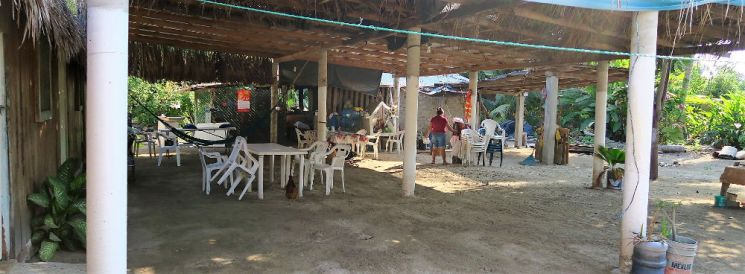 Restaurant Pregedis - Playa Maruata - Der Hippie Strand Michoácans