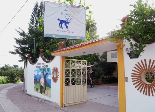Eingang - Alebrijes aus Arrazola - Wo Träume Wirklichkeit werden
