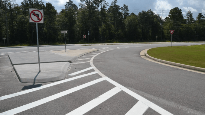 Photo of R-Cut intersection (Georgia DOT photo)