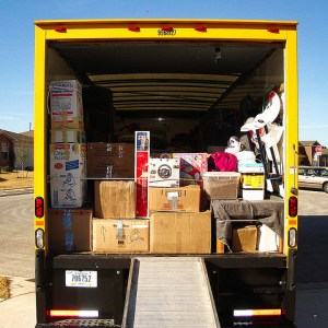 household items move in kansas