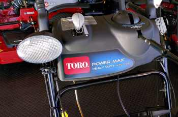 Toro Power Max Heavy Duty 826 OXE Model 38805 Picture Review 3