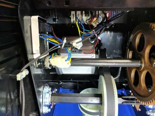 Interior of the Snow Joe Transmission Case