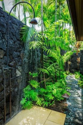 Douche exterieur - Moving Tahiti (10)