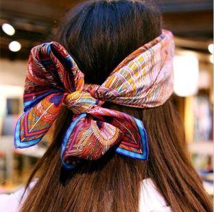 Accessoire de cheveux tendance, le foulard 9