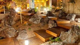 12.escalier-jardin-bois-lumiere