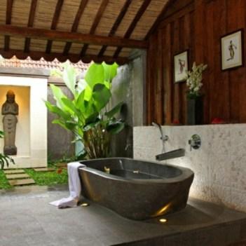 modèle-de-salle-de-bain-avec-une-baignoire1