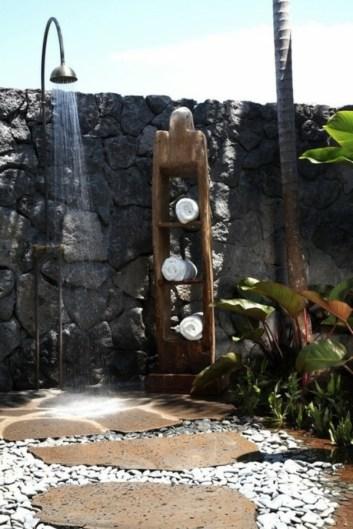 modèle-de-salle-de-bain-original-de-pierre-et-bois1