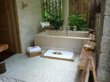 salle-de-bain-exterieure-1