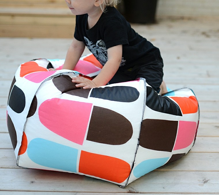 Pouf Enfant Idee Tissu Faire Pouf Poire.13jpg