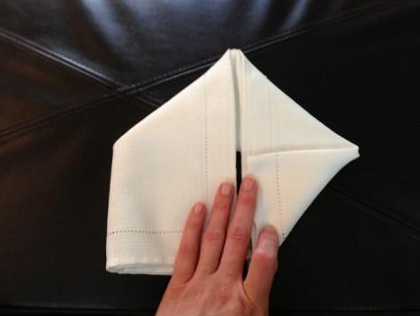 Décoration de Pâques - pliage de serviettes 06