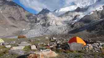 Avalanche impressionnante dans l'Himalaya