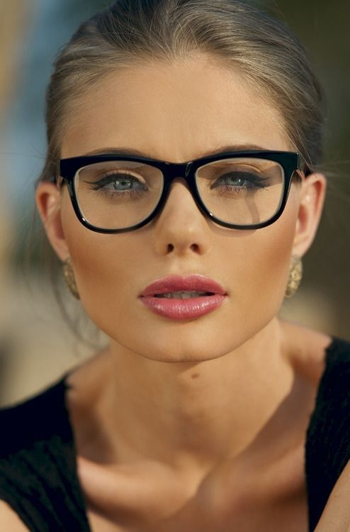 08ff8d6bd6 Les lunettes de vue pour être super sexy - Moving Tahiti