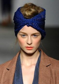 Comment porter le foulard (33)