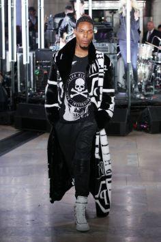 Le rappeur Desiigner à la Fashion Week de New York en Philipp Plein.