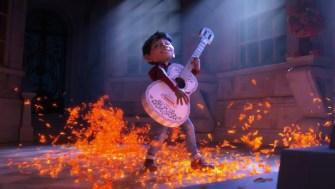 «Coco» : Découvrez la bande-annonce musicale et colorée du nouveau Disney !