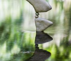 manu-topic-stone-balancing-11