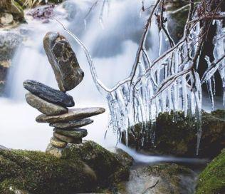 manu-topic-stone-balancing-6