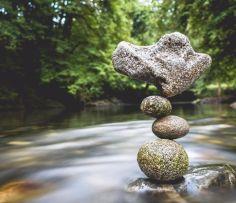 manu-topic-stone-balancing-7