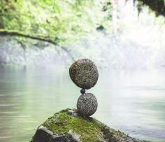 manu-topic-stone-balancing-9