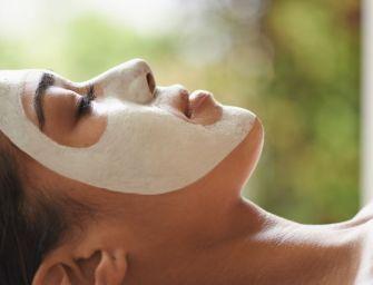 Soin du visage :  Quel masque choisir pour avoir un teint lumineux le soir du réveillon?