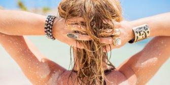 Prendre soin de ses cheveux après les vacances au soleil