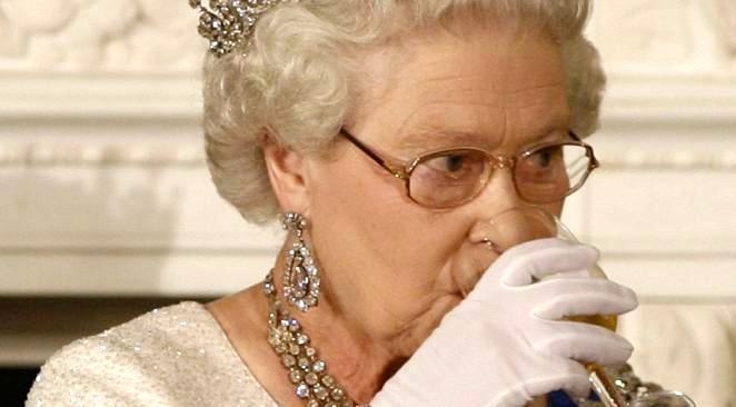 Les quatre cocktails quotidiens de la reine d'Angleterre
