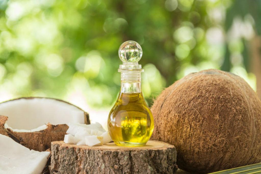 L-huile-de-coco-un-tresor-pour-la-peau_width1024