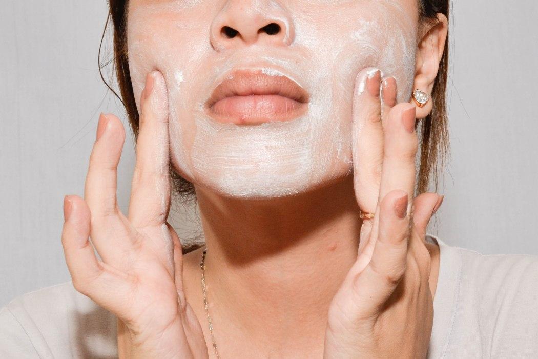 Make-a-Wacky-but-Nice-Homemade-Facial-Scrub-Step-5
