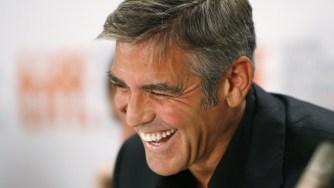 Pourquoi les femmes aiment les hommes aux cheveux gris ?