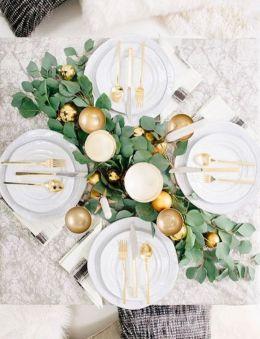 Une table raffinée au décor rustique chic pour Noël 10