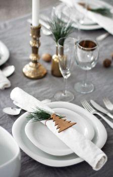Une table raffinée au décor rustique chic pour Noël 25