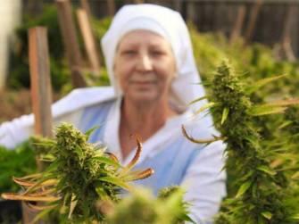 «Breaking Habits», le documentaire sur les nonnes qui cultivent de la weed