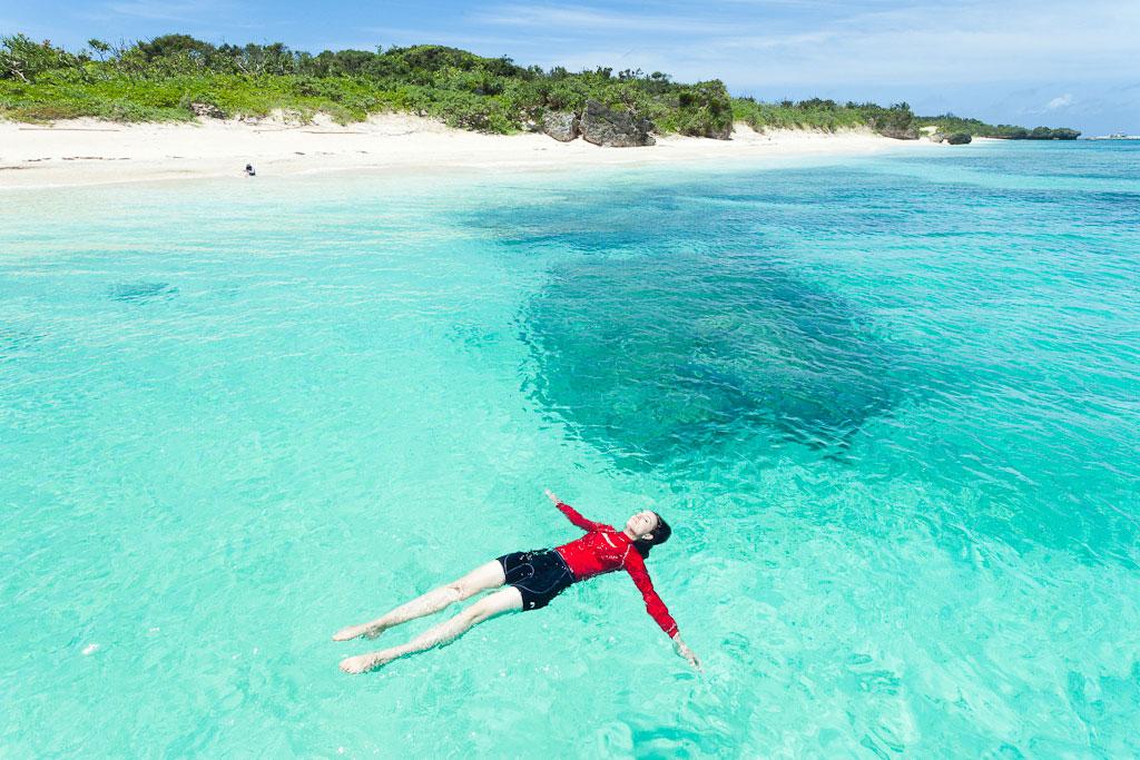 Panari-Island-Aragusuku-Island-Okinawa-Japan