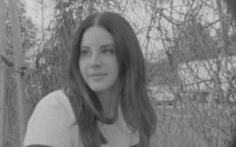 Lana Del Rey dévoile «Mariners Apartment Complex», une ballade douce et envoûtante