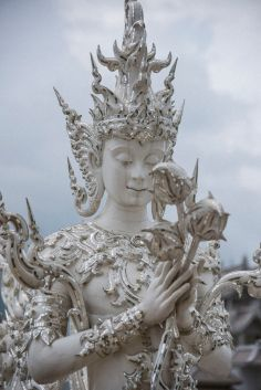 Le temple blanc de Thaïlande 07