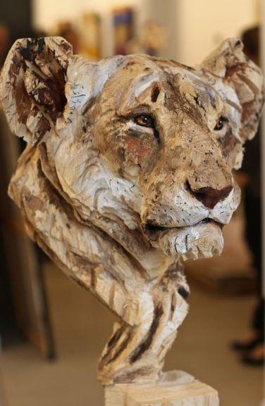 Les sculptures à la tronçonneuse de l'artiste Jürgen Lingl-Rebetez 02
