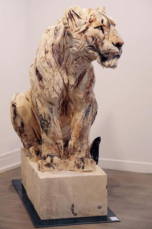 Les sculptures à la tronçonneuse de l'artiste Jürgen Lingl-Rebetez 09