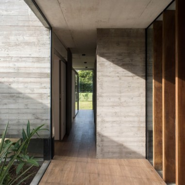 Rodriguez-House-14-tt-width-620-height-620-lazyload-0-crop-1-bgcolor-000000-except_gif-1