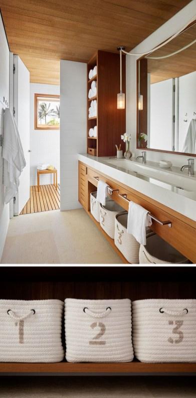 modern-bathroom-wood-and-white-070118-1109-15