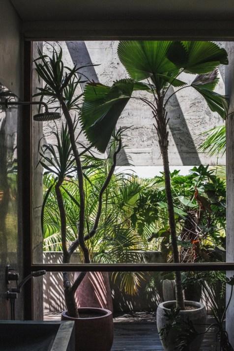 Brutalist Tropical House à Bali (1)