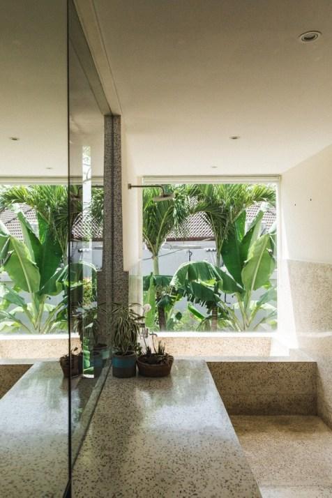 Brutalist Tropical House à Bali (2)