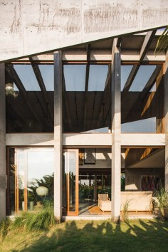 Brutalist Tropical House à Bali (9)